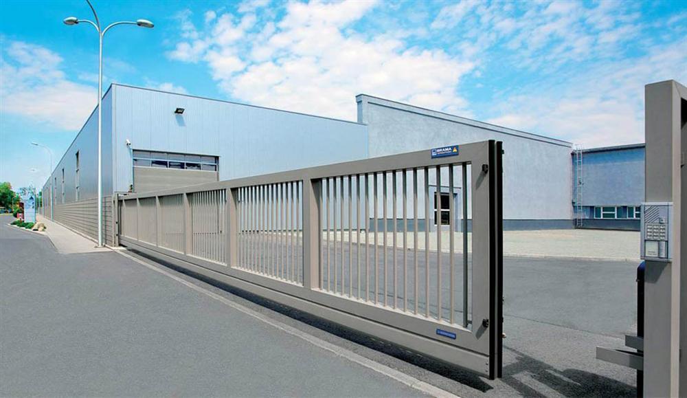 Ворота промыщленные откатные железные ворота во двор цена